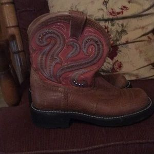 Ariat boots size 8B  almost new-worn only twice